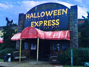 dueling costume shopshalloween express vs spirit halloween