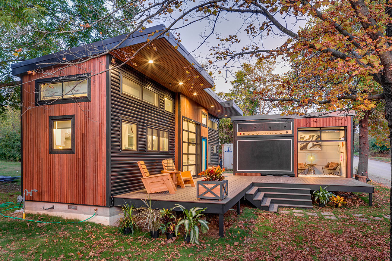 Terrific South Fayetteville Home Featured On Tiny House Nation Home Interior And Landscaping Dextoversignezvosmurscom