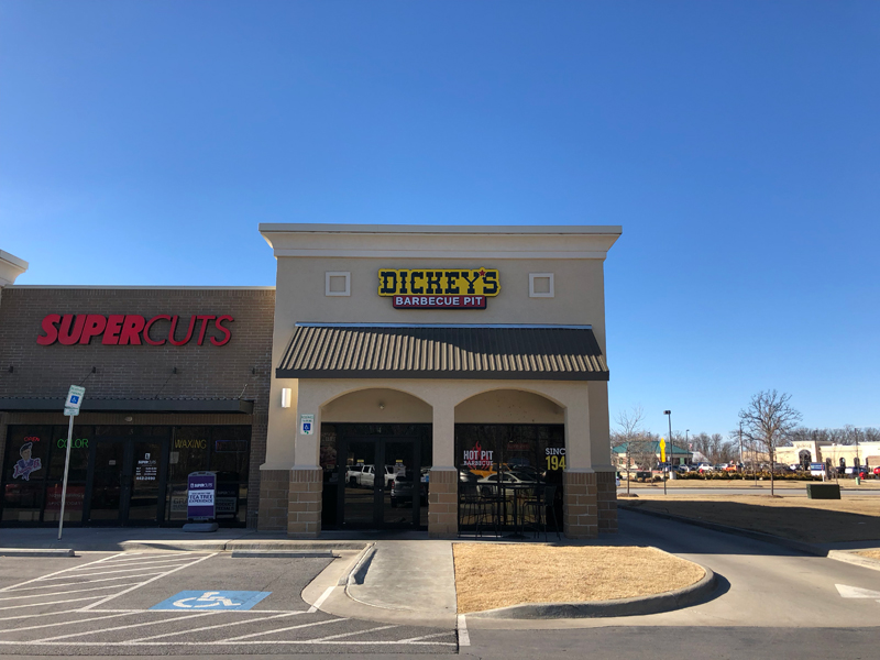 Dickey S Barbecue Closes Nwa Restaurants Fayetteville Flyer