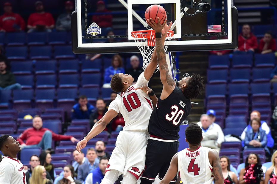 Double double-double for Hogs in win over Florida, 80-72